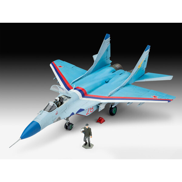 Mikoyan MiG-29S Fulcrum Un modello riprodotto fedelmente del MiG-29S, uno dei più potenti aerei da combattimento dell'aeronautic