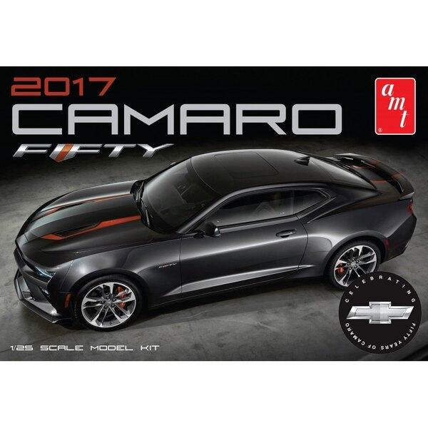 2017 Chevy Camaro 50th Anniversary.Chevy Camaro 50th AnniversaryChevrolet 50 ° anniversario Camaro è impressionante da guardare