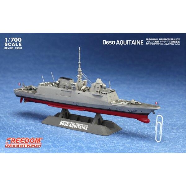 D650 Aquitania multiuso fregata con parti incise