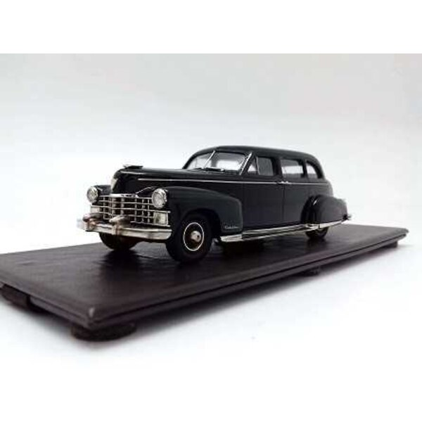 CADILLAC 75 LIMOUSINE (VATICAN TOO) 1947