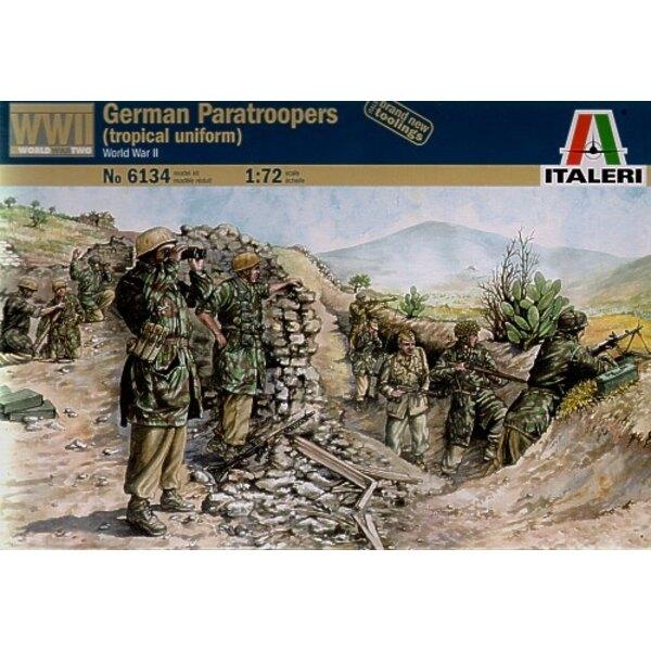 Paracadutisti tedeschi della WW2 (in uniforme tropicale)