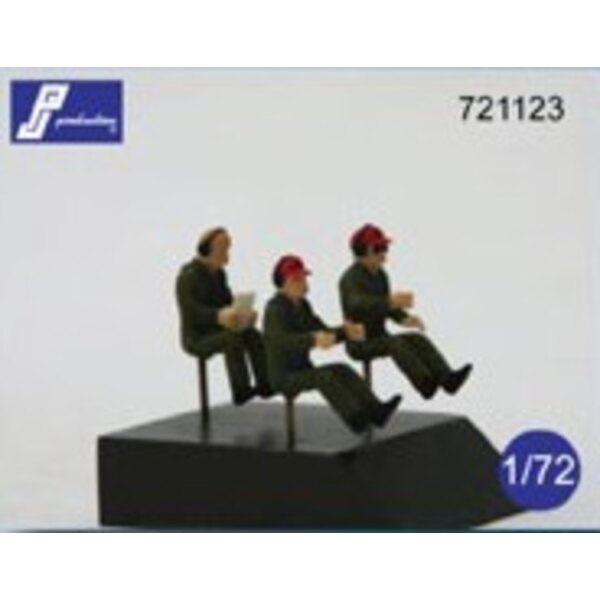 Transport pilots seated in aircraft (set of 3 figures - To be used in most of modern transport aircraft).