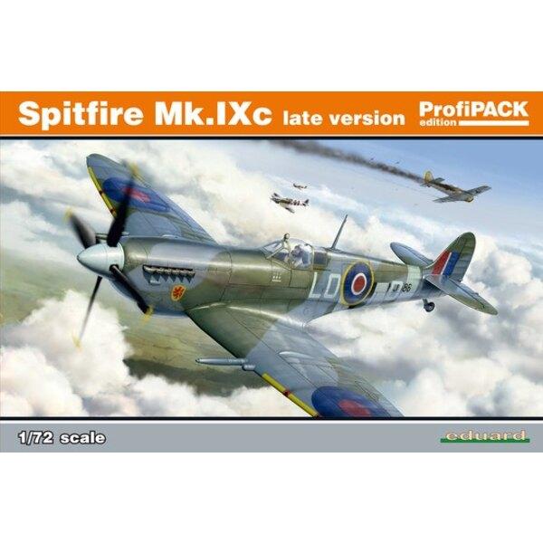 Supermarine Spitfire Mk.IXc versione in ritardo.Molto prima versione del kit di strumenti Eduard fatta nel 2016, decalcomanie s